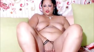 xhamster low hip desi aunty picture